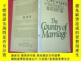 二手書博民逛書店The罕見Country Of Marriage: PoemsY