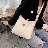 側背包 單肩復古水桶包包潮女包時尚大容量斜背包女百搭-Milano米蘭