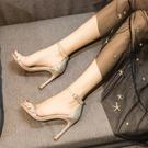 性感女涼鞋十八歲成人禮高跟鞋細跟一字扣帶露趾網紅少女簡單黑色 果果輕時尚