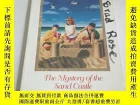 二手書博民逛書店the罕見mystery of the sand castle(