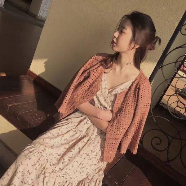 [協貿國際]圓領鏤空針織衫短款花邊長袖上衣薄款開衫外套1入