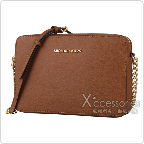 MK MICHAEL KORS JET SET TRAVEL金字防刮皮革鏈帶方型斜背包(大/棕)