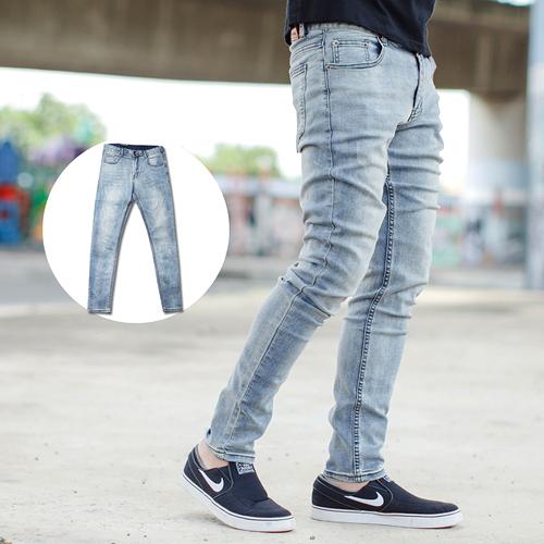 牛仔褲 淺藍微淺刷色素面彈性合身牛仔褲【NB0607J】