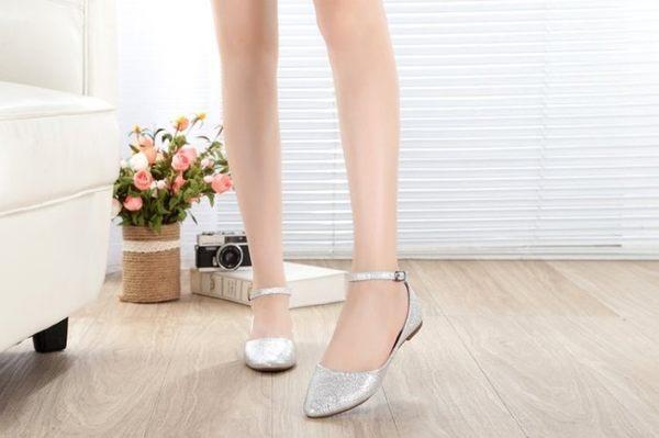 大尺碼女鞋小尺碼女鞋尖頭爆裂繞踝平底鞋娃娃鞋包鞋涼鞋黑色銀色金色(35-41加大尺碼)
