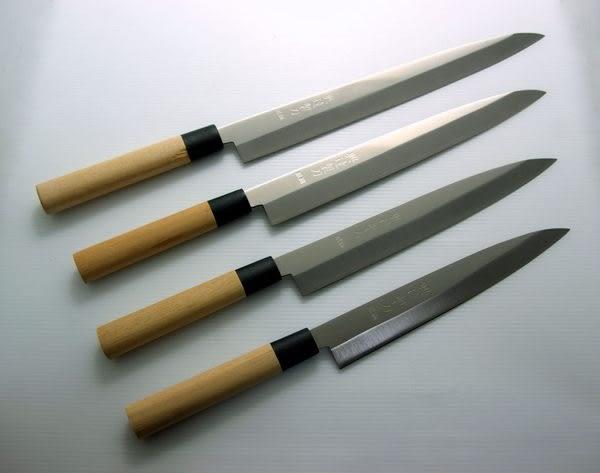 8吋-沙西米刀/生魚片刀-銀鋼木柄(A00089) 本賣場為240mm,另有210mm、270mm、300mm可選擇