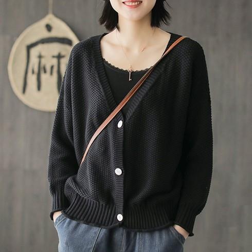 EASON SHOP(GW3278)韓版慵懶風小格紋純色前排釦下襬QQ捲邊V領長袖針織外套女上衣服落肩寬鬆閨蜜裝