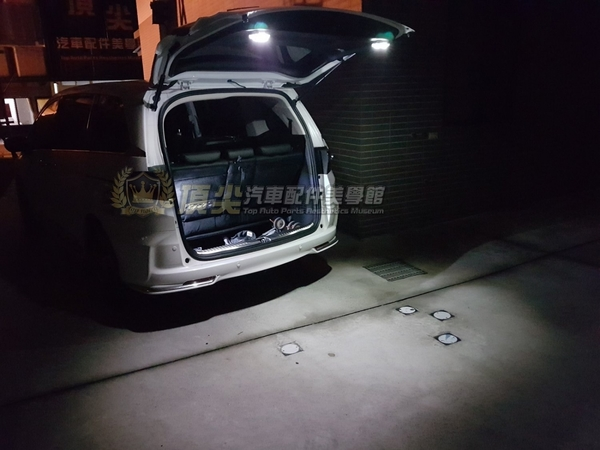 MAZDA3馬自達CX3【CX5尾門照明感應燈】掀背車 行李廂LED白光燈 安裝方便 免破線 背膠沾黏