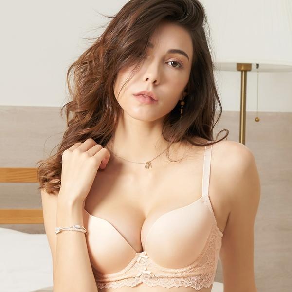EASY SHOP-微甜粉漾 美背款B-D罩內衣(粉膚色)