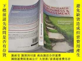 二手書博民逛書店Doing罕見Research in Business and Management: an essential