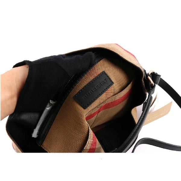 【BURBERRY】棕色棉麻混紡手提/肩背二用包(黑色背帶) 3945726 0010T