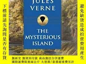 二手書博民逛書店英文原版書罕見Mysterious Island (Signet