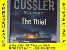 二手書博民逛書店英文原版罕見The Thief by Clive Cussler