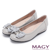 MAGY 氣質甜美女孩 造型五金牛皮平底娃娃鞋-灰色