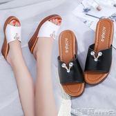 厚底拖鞋 夏季新款百搭室外中年厚底涼鞋防滑中跟平底鬆糕涼拖鞋女外穿  瑪麗蘇