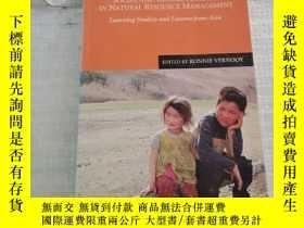 二手書博民逛書店Social罕見and Gender Analysis in Natural Resource Managemen