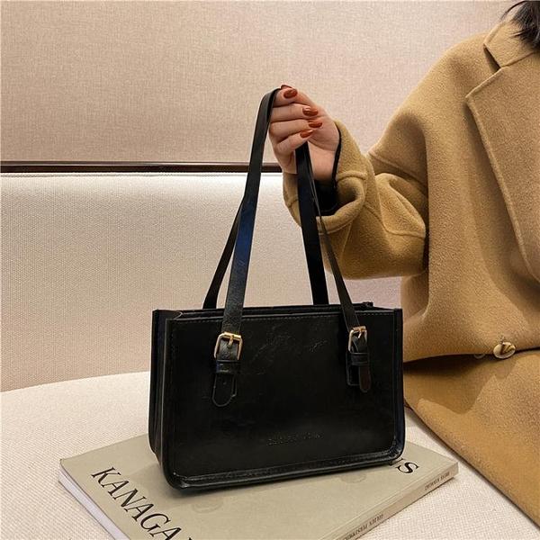 包包2021新款潮網紅復古腋下包高級感秋冬女包百搭簡約側背小方包 伊蘿