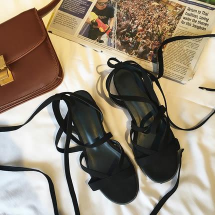 羅馬綁帶涼鞋女夏2018平底新款學生中跟沙灘