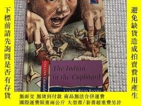 二手書博民逛書店The罕見Indian in the CupboardY280091 LYNNE REID BANKS 見圖