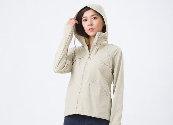 UV100 防曬 抗UV-涼感透氣修身連帽外套-女