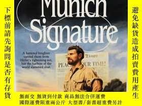 二手書博民逛書店Munich罕見Signature (The Zion Cove