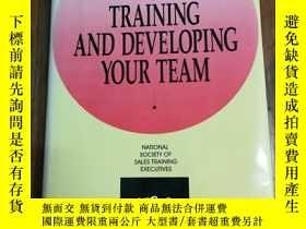 二手書博民逛書店The罕見Sales Managers Guide to Training and Developing Your