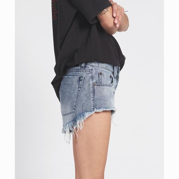 OneTeaspoon 牛仔短褲- BONITAS ROCKY BONITAS-女(牛仔藍)