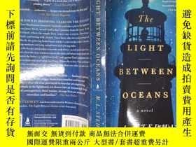二手書博民逛書店The罕見Light Between Oceans(詳見圖)Y6