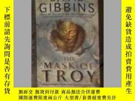 二手書博民逛書店英文原版罕見The Mask of Troy by David