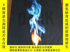 二手書博民逛書店Trick罕見of the DarkY12800 Val McD