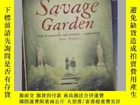 二手書博民逛書店英文原版罕見The Savage Garden by Mark