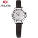 JULIUS 聚利時 祕密花園菱格紋髮絲紋皮錶帶腕錶-黑色/28mm 【JA-882A】
