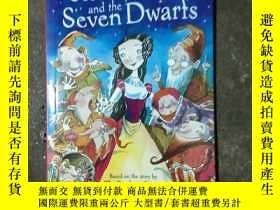 二手書博民逛書店snow罕見white and the seven dwarfs(32開繪本)Y22213