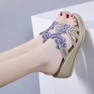 中跟鞋 2020波西米亞水鉆拖鞋女外穿厚底中跟潮流防水臺涼拖坡跟一字拖鞋