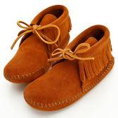 美國正品【MINNETONKA 】流蘇麂皮一體成型褐色短靴童鞋 在台24H 寄出