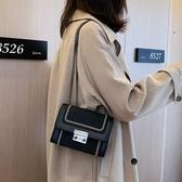 小方包網紅小黑包女新款韓版復古港風小方包時尚百搭側背斜背錬條包 特惠上市