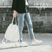 Queen Shop【04011238】雙膝刷破小直筒顯瘦牛仔褲 S/M/L*預購*