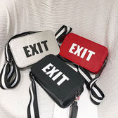 斜背包字母小方包時尚寬印肩帶包花斜挎小包包-黑色地帶