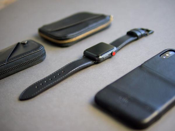 Alto Apple Watch 皮革錶帶 42/44mm - 渡鴉黑