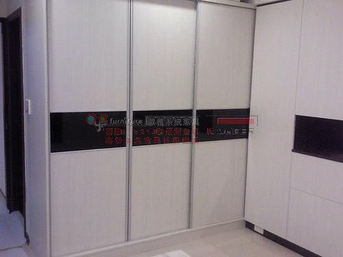 歐雅系統家具 E1V313 新竹 主臥 床頭櫃,TS推拉門衣櫃 B0029