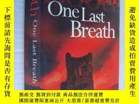 二手書博民逛書店One罕見Last Breath:Darkness beneat
