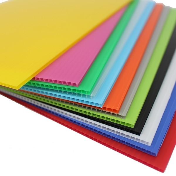 A4 塑膠瓦楞板 PP瓦楞板 厚度3mm/一包5張入(定35) 混色 萬國 PP003 廣告板 210mm x 297mm-萬