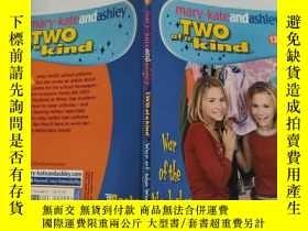 二手書博民逛書店mary罕見kate and Ashley two of a kind 瑪麗·凱特和艾希禮是一對Y200392