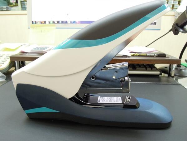 義大文具- 手牌壹指訂訂書機-省力60%/高張數120張-型號1248B