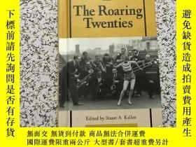 二手書博民逛書店the罕見roaring twentiesY264179