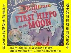 二手書博民逛書店p平裝罕見The First Hippo on the Moon