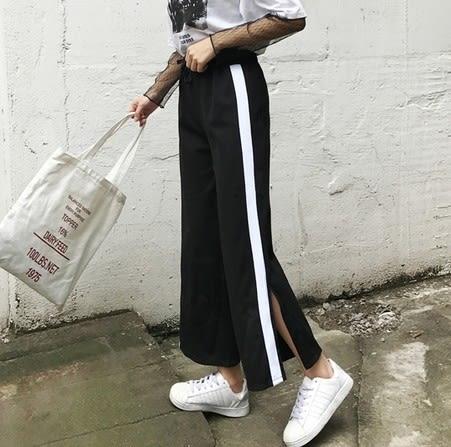 EASON SHOP(GU6006)寬鬆側條紋開衩黑白撞色鬆緊腰黑色寬褲運動褲高腰休閒褲九分褲女喇叭褲挺版