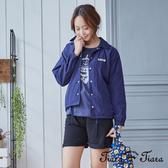 【Tiara Tiara】擺貨同步aw 椰子樹內裡排釦休閒風衣外套(藍/卡其) 漢神獨家 秋冬外套