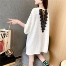 后背鏤空蕾絲拼接短袖t恤女中長款夏裝韓版寬鬆時尚設計感上衣潮 依凡卡時尚