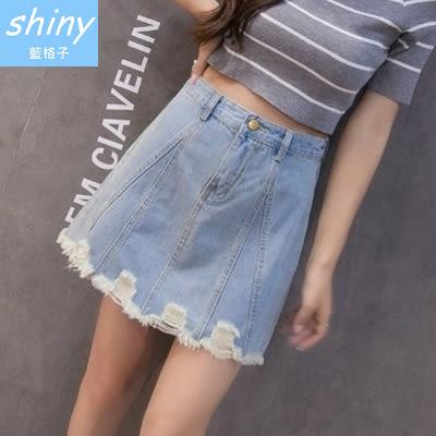 【V0953】shiny藍格子-細調美線.破洞毛邊下擺高腰牛仔A字短裙