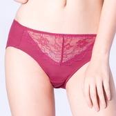 思薇爾-輕戀香系列M-XXL蕾絲中腰三角內褲(波斯紅)